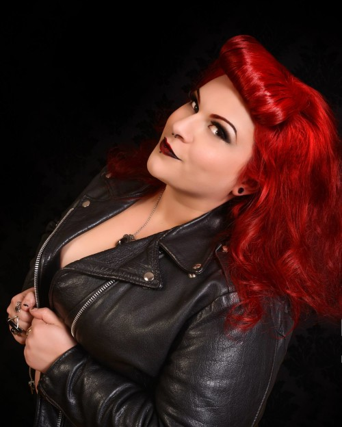 Shimona Henry, Pinupperfection, cherry velvet photographer, plus size pinup, pinup photography, vancouver pinup