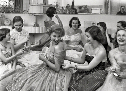 house-party-1950-from-look-mag-debutante-who-went-to-work